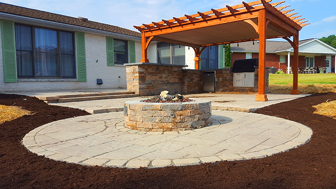 Outdoor kitchen, firepit and pergola - Outdoor Kitchen, Firepit And Pergola - Twentytree - Central PA